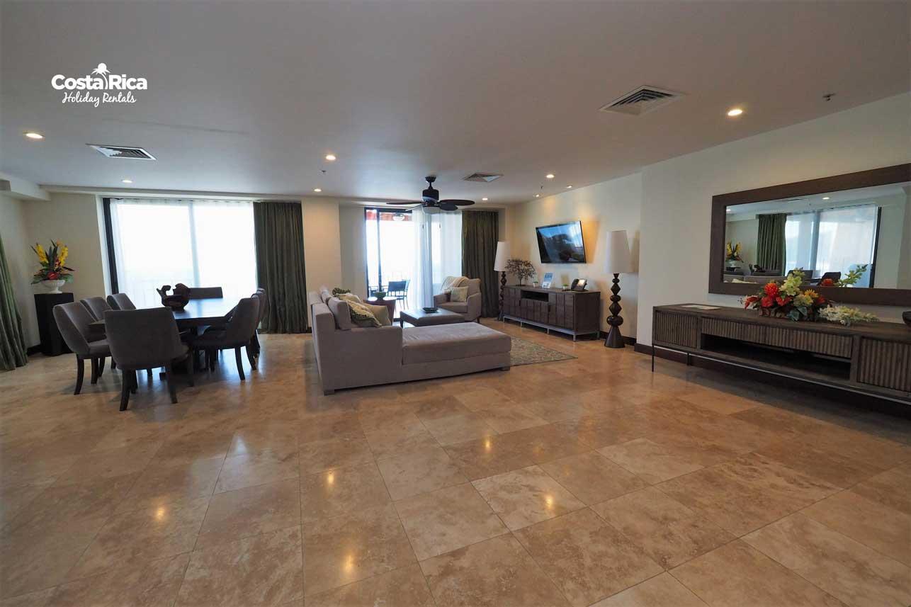 Penthouse-Crocs-Resort-(18)
