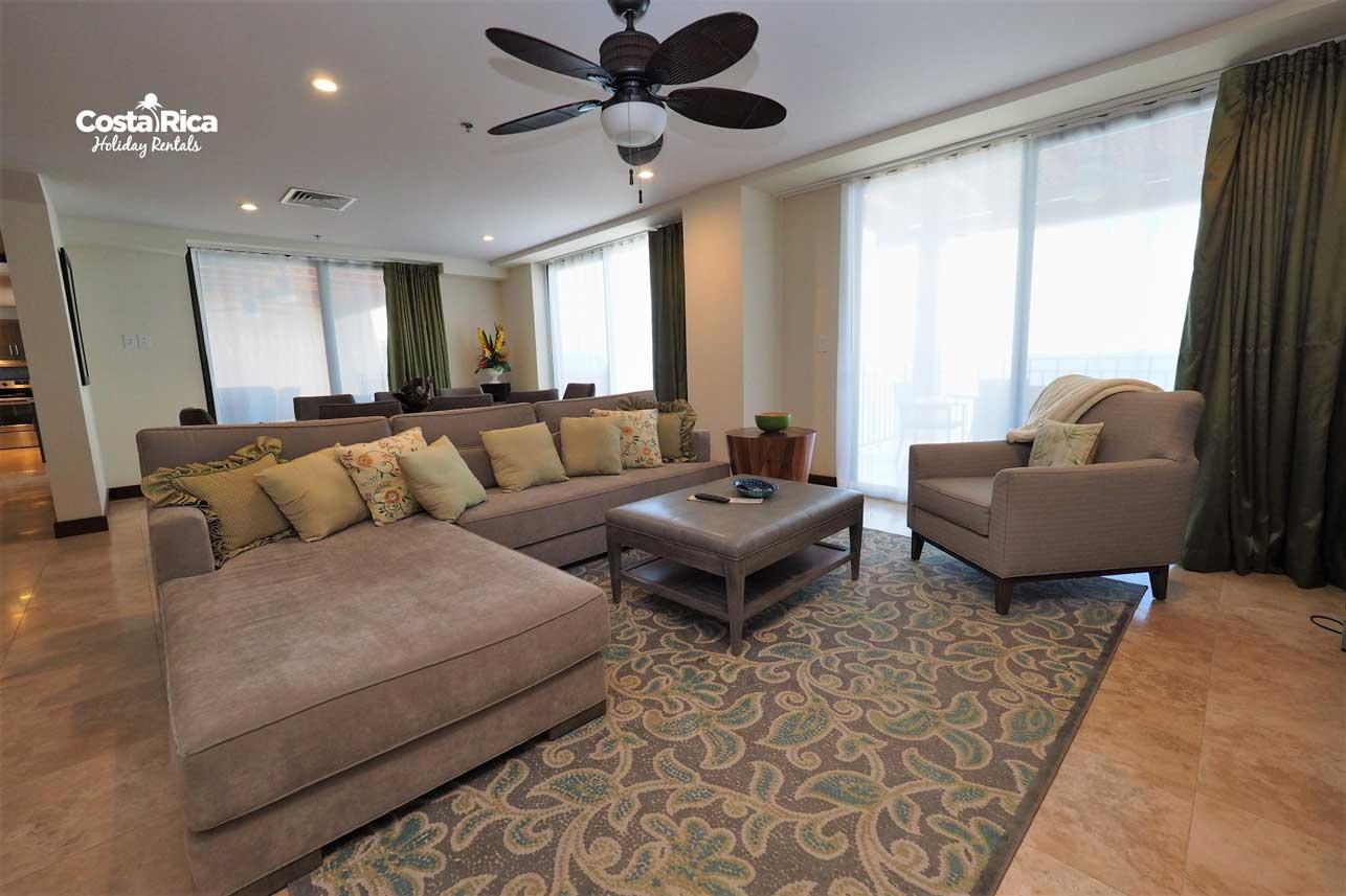 Penthouse-Crocs-Resort-(5)